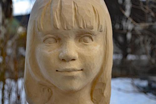 Portrait Mädchen 30cm Linde